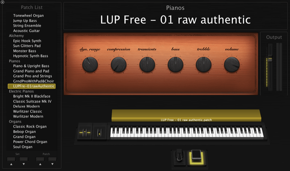 Free Edition of LivingRoom Upright Piano - view of user interface of smart controls for Apple MainStage 3.4 in performance view